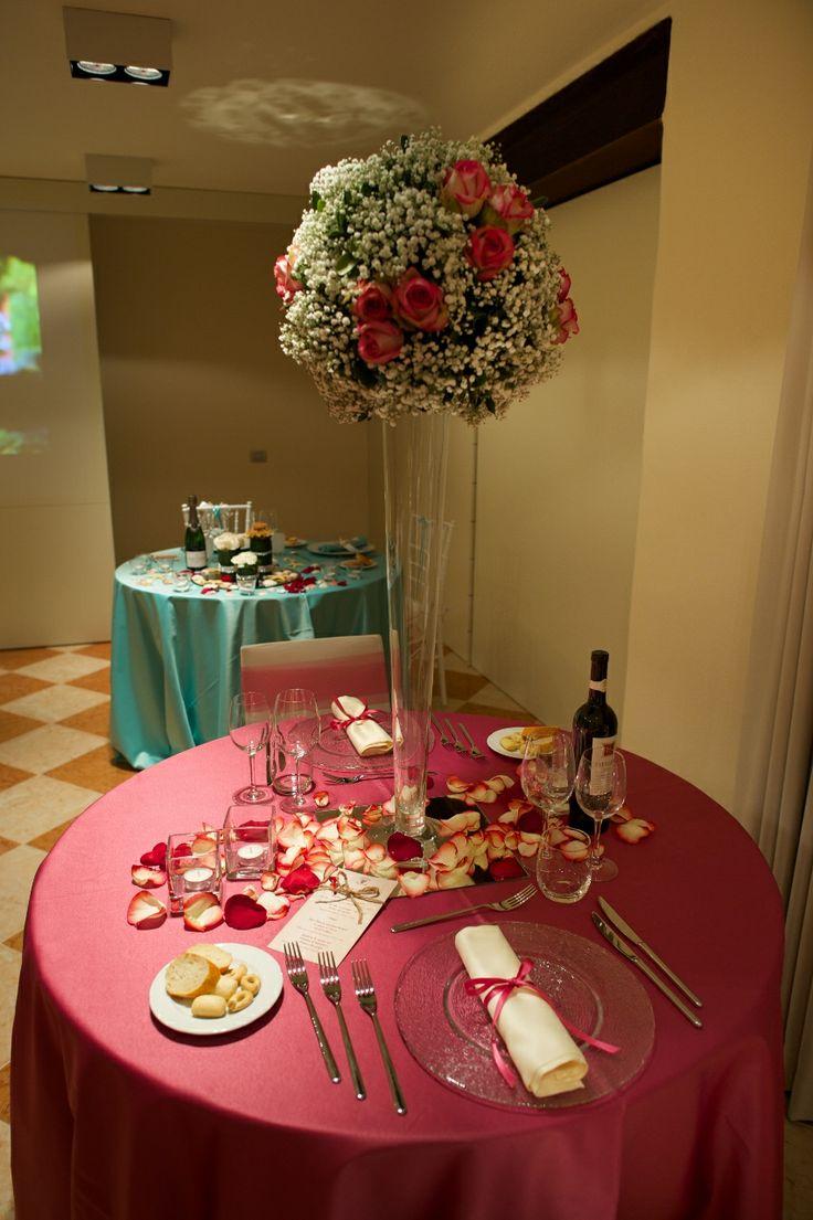 proposta di mise en place per matrimoni durante una serata di San Valentino - raso rosa