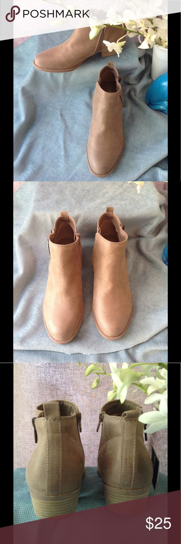 Carlos Tan Vegan Suede Bootie NEW Every day is fun and comfortable with this Carlos bootie. Neat double sided zippers, one brass the other nude. Never worn size 9.5 Carlos Shoes Ankle Boots & Booties
