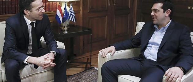 Griechenland-Krise im News-Ticker Dokument ersetzt! Wer brachte die Griechen-Verhandlung zum Scheitern?  Die Lage Griechenlands wird immer heikler: Dem Land geht das Geld aus, doch das jüngste Treffen in Brüssel ging ohne Einigung zu Ende. Das liegt vor allem an dem Entwurf, den die Eurogruppe vorlegte - und an zwei kleinen Wörtern. http://www.focus.de/finanzen/news/staatsverschuldung/griechenland-krise-athen-schickt-hilfsantrag-nach-bruessel_id_4484710.html