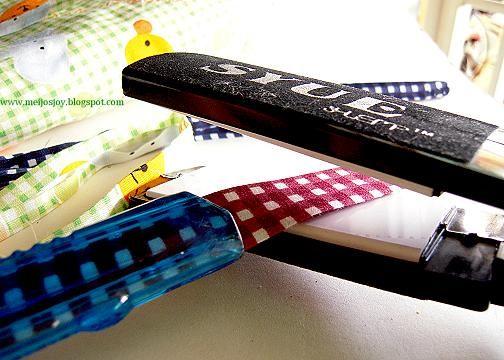 DIY artilugio para doblar la cinta de biés. Mango de un cutter barato y plancha para el cabello. :-)