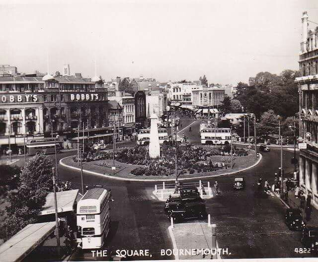 GREAT SHOT OF THE SQUARE