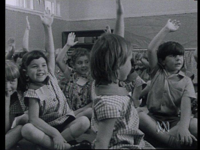 Twinkle, twinkle, little ducks - History (1,2) - video.