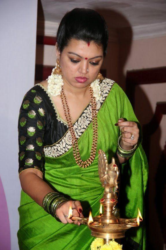 actress sneha sister