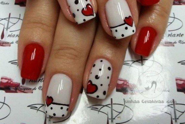 unhas decoradas simples com corações