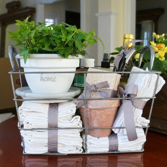 DIY housewarming gift – a whitewashed flowerpot and a collection of inexpensive household items.