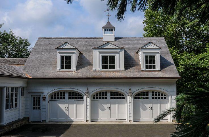 1000 Ideas About Carriage House On Pinterest Garage Garage Doors