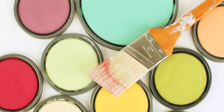 Muurverf heeft effect op de verkoopwaarde van je huis. Kleuren die het volgens hetzelfde onderzoek wél goed doen, zijn lichtgrijs voor de woonkamer en kaki voor de slaapkamer. Natuurlijk moet je je huis de kleur geven die jij mooi vindt, maar het is raadzaam om je huis zo neutraal mogelijk op te leveren.