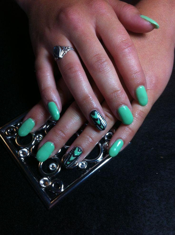 Mint bio seaweed gel nails