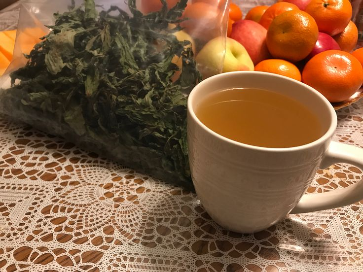 Homemade Mint Tea 🍵  Mint leaves from our garden, incredible rich taste and aroma 😍☀️ Watch the video on Stories and YouTube 📺 In the future I will make a detailed video start to finish on making mint and various other teas 🙌  #tea #garden #mint #greens #teatime #homemade #leaves #healthy #diet #tastetoronto #tradition #family #fresh #natural