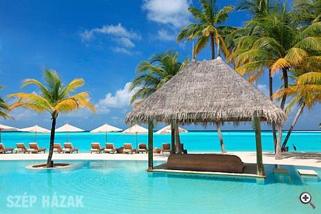http://szephazak.hu/hotel-design/hotel-design-a-maldiv-szigeteket/253/