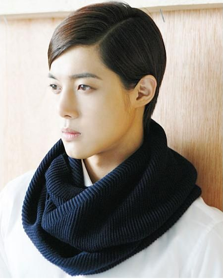 Perfection, even thought he looks like a girl. Kim Hyun Joong.