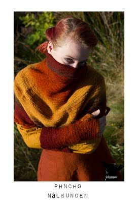 Poncho, nålbunden, ie needlebound / nalbound poncho (as well as armwarmers), made by (and for sale) @ Idunas Hantverk {Iduna's Handicraft}  ~  Please see link for more info [in Swedish]!