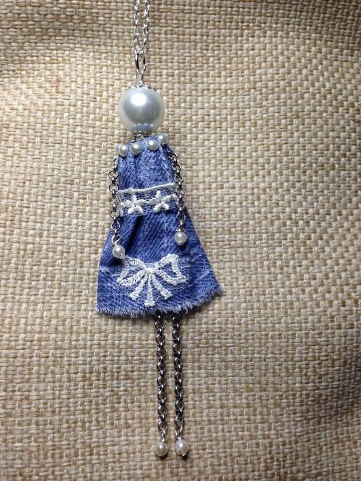 """Collana bambolina Testa, mani e piedi di perle e vestito in jeans  Creazione di """"Il diario di Fiorella Creatività e Fantasia"""" http://donyscreations.blogspot.it/"""