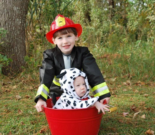 firefighter and dalmatian costumes 13 costume ideas for siblings - Halloween Ideas For Siblings