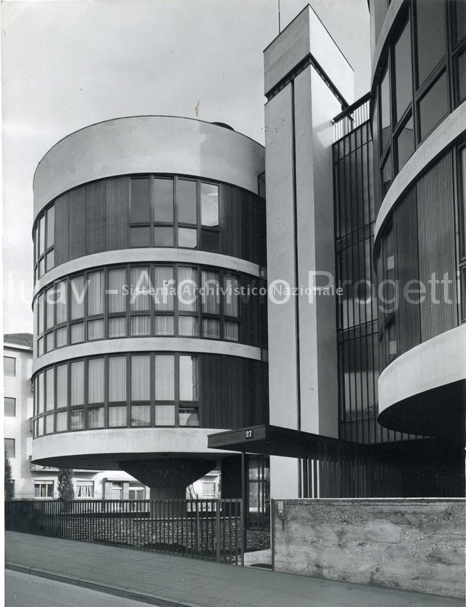 B. Morassutti con Angelo Mangiarotti e Aldo Favini, Edifici residenziali di via Gavirate, Milano, 1959-62