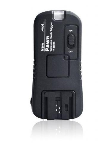 """Pixel Ontvanger TF-363RX voor Pawn TF-363 voor Sony  Deze Pixel Ontvanger TF-363RX is geschikt voor de Pawn TF-363 zender. Met deze extra ontvanger is het mogelijk om meerdere camera flitsers aan te sturen met de TF-363. De camera flitser kunt u plaatsen op de hotshoe van de ontvanger. De ontvanger heeft een female schroefdraad van 1/4"""" en kunt u plaatsen op een (lamp)statief of parapluhouder. Wanneer u deze ontvanger wilt plaatsen op de hotshoe aansluiting van uw Sony Camera moet u gebruik…"""