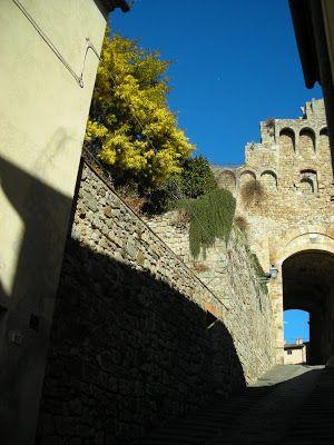 Ingresso cittadella senese Massa Marittima pic Enrico Franco #maremmans