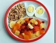 Breakfast: Fruit salad, hard boiled eggs, cheerios