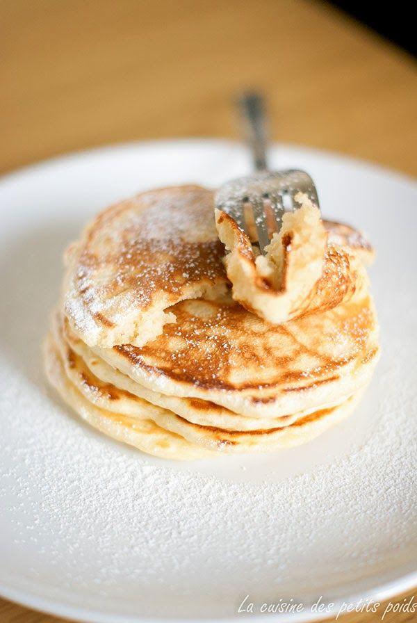 Le pancake est cette crêpe épaisse que l'on sert généralement au petit déjeuner aux États-Unis. Elles sont moelleuses et gourmandes à souha...
