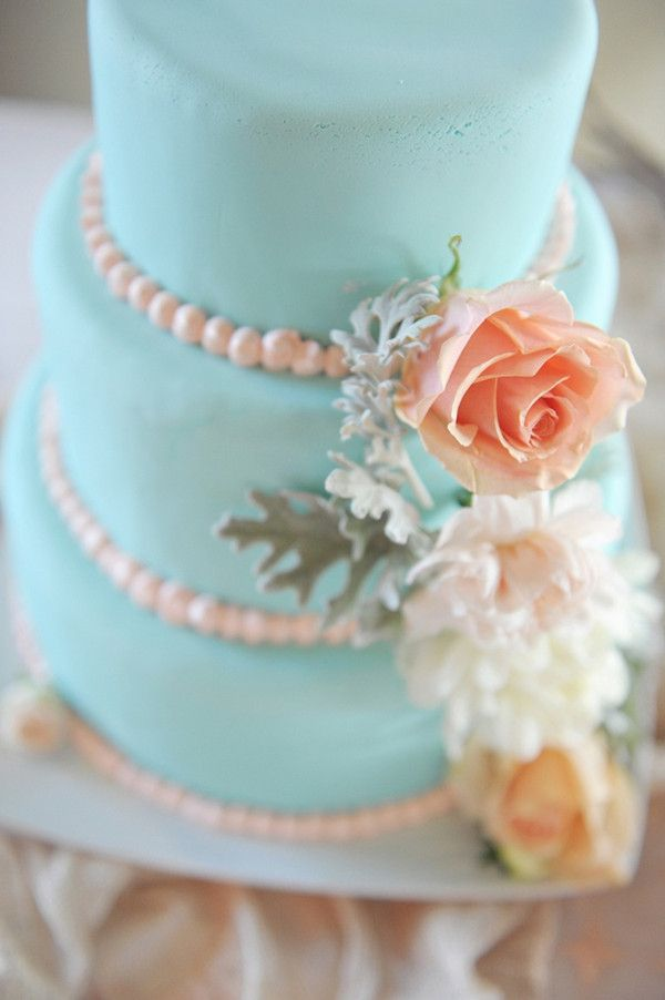 tiffany blue theme wedding cake