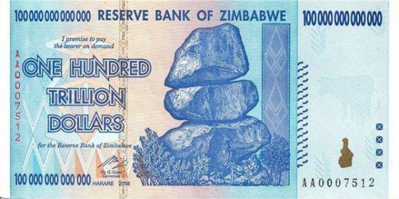 Con 350 como este te dan 1 (si, si 1) dolar EEUU. Billete de 100 billones de dólares de Zimbabwe