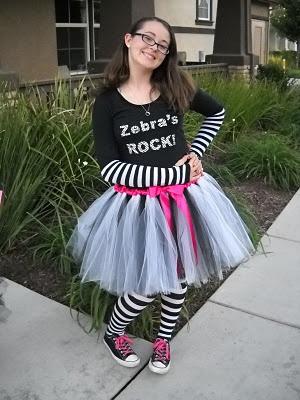 So I Saw This Tutorial ...: Halloween Tutus! Part 3 - Zebra's ROCK!