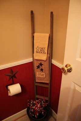 17 best images about primitive ladder ideas on pinterest for Bathroom decor ladder