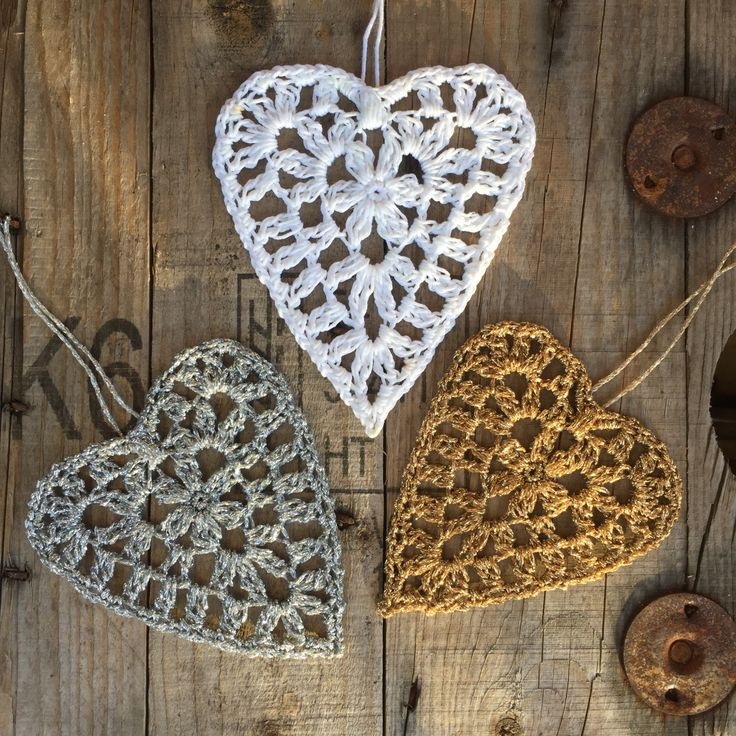 Hearts decoration free pattern.