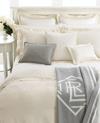 find this pin and more on california king bedding sets by leticiarae