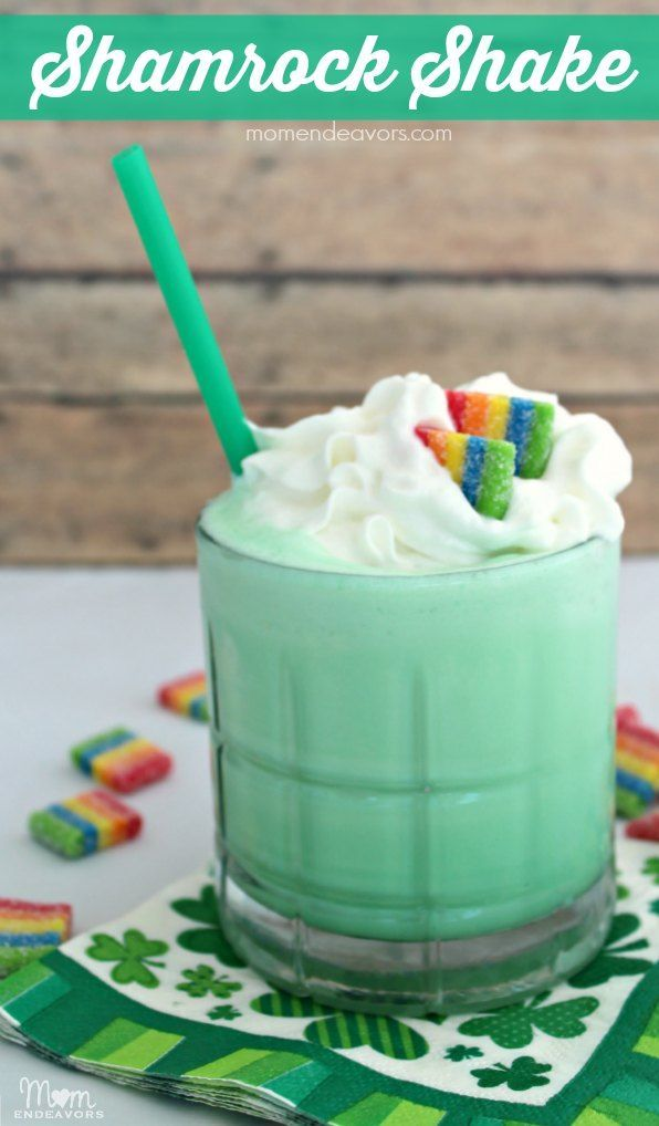 St. Patrick's Day Fun Food - Homemade Shamrock Shake Recipe. Love the rainbows added too!