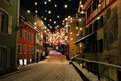 Oh to wander the streets on a quiet winter night.