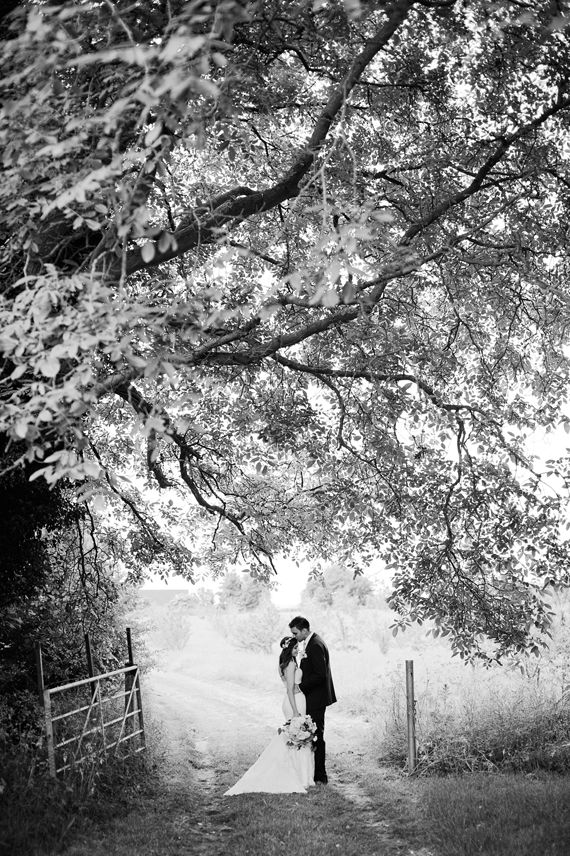 Romantic vintage UK wedding | Photo by Dominique Bader | Read more - http://www.100layercake.com/blog/?p=80738