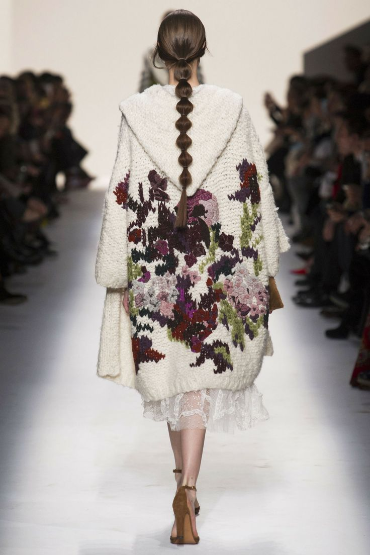 Fall 2014 RTW Valentino Collection Photo: Alessandro Lucioni/Imaxtree