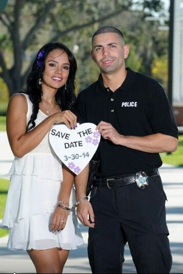 15 Reasons to Date a Police Officer
