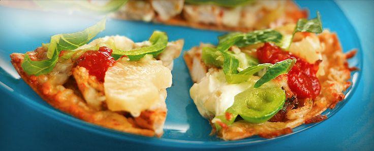 Een pizza vol lekkere smaken en heerlijke kleuren, geschikt voor doordeweek en als feestmaaltijd. Serveer met een hete salsa en een frisse groene salade.