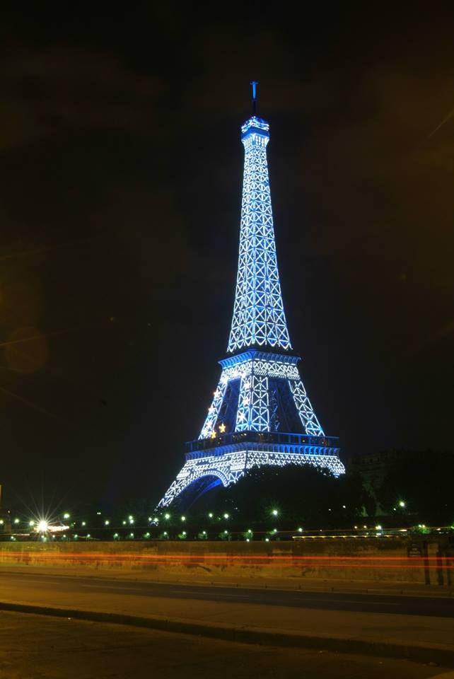 7 best la tour eiffel en couleurs images on pinterest - Couleur de la tour eiffel ...