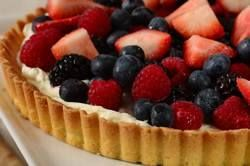 This Easy Fruit Tart has a buttery sweet shortbread crust, a creamy smooth filling made with mascarpone cheese and heavy cream, and lots of beautiful fresh fruit. From Joyofbaking.com With Demo Video