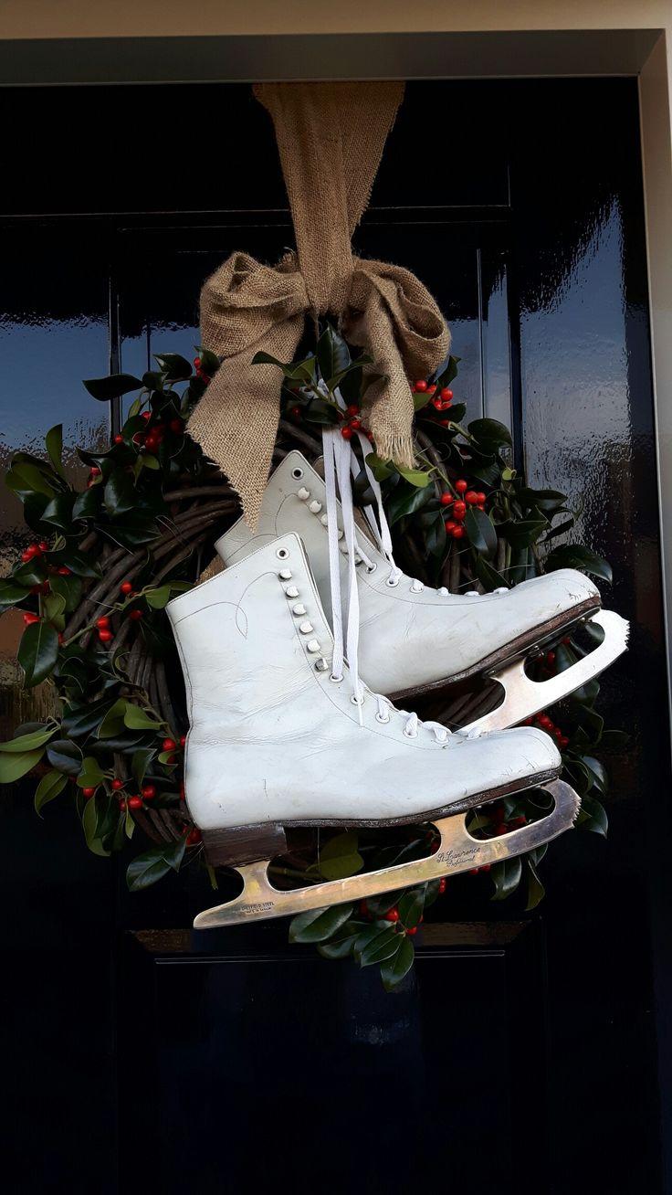 Kerst krans voor aan de deur met oude kunstijs schaatsen @handmadebylenicka
