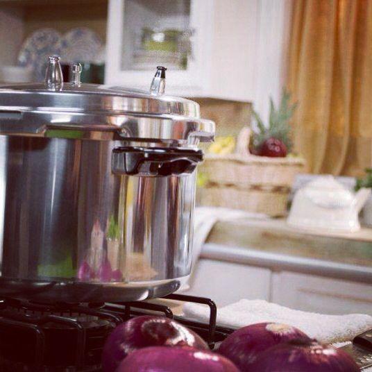 Cocina saludable sin perder tus nutrientes con las ollas a presión Cinsa.