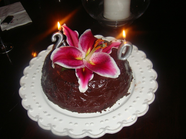 Chocolate Cake Decorated With Flowers : 31 best images about Cake decorating on Pinterest