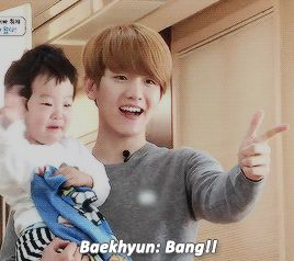 Baekkie and Channie playing with the twins. Just goes to show that they really do watch the show. <3