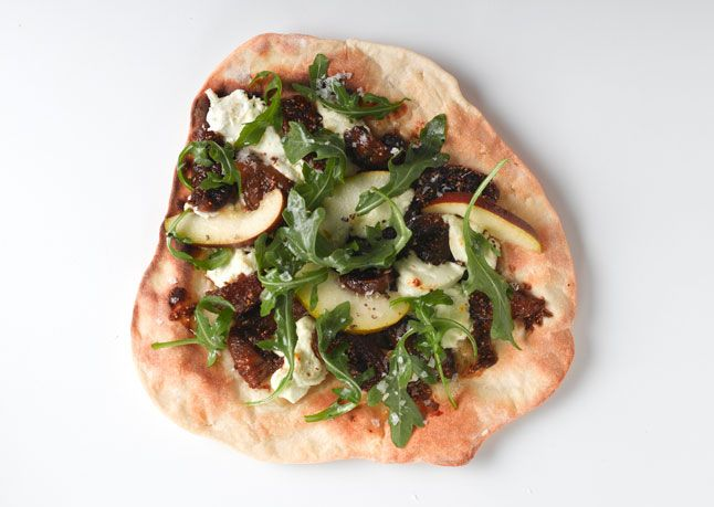 Fig and Goat Cheese Pizza with Arugula: Goats, Arugula Pizza, Pizza Recipe, Food, Bon Appetit, Goat Cheese Pizza, Arugula Recipes, Figs