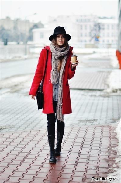 Красное пальто и аксесуары