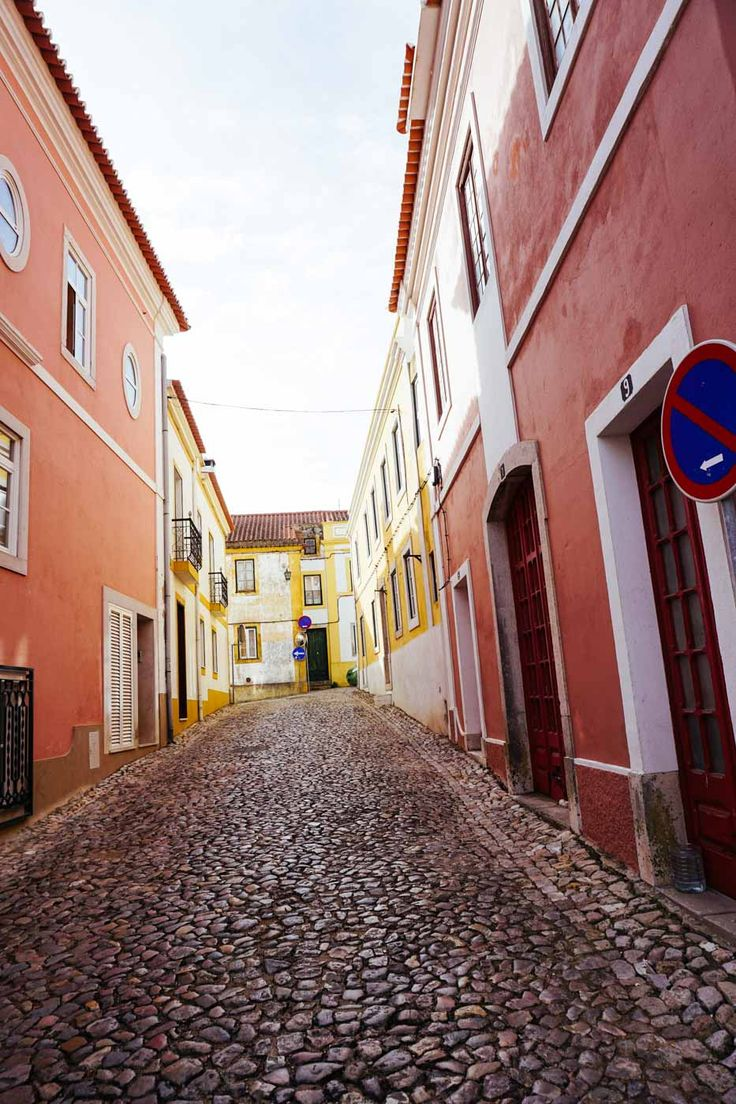 Five Secret Travel Spots in the Alentejo, Portugal | The Discoveries Of Blog 19/03/2018 The Alentejo is Portugal's hidden treasure. Boasting spectacular beaches, traditional fishing villages, historical towns and perfect hikes – here are five spots in the Alentejo you shouldn't miss. #Portugal #Alentejo