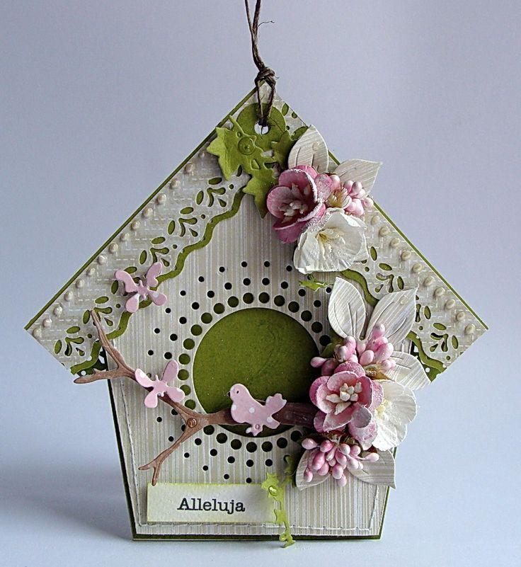 Tym razem cała seria małych świątecznych domków.   Wszystkie wykonane z  galeriowych  papierków.     Niedługo ogłoszę cudowną wiadomość, w...