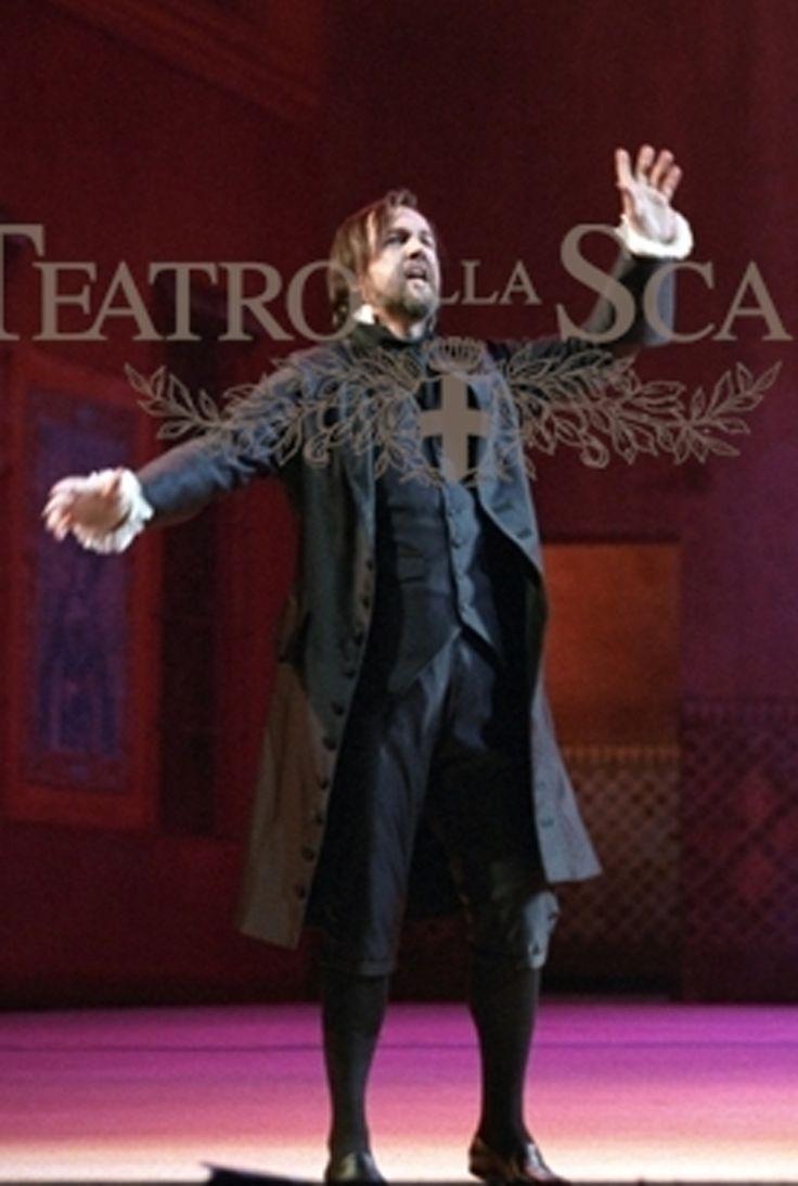 Giorgio Surjan, costumi di Françoise Tournafound, regia di Alfredo Arias, Teatro alla Scala, Milano, 1999.