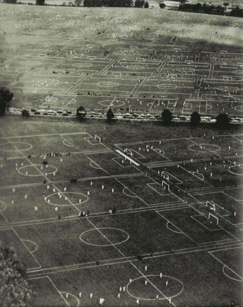 la gran ciudad? I'm guessing they like soccer?