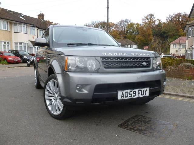 2009 Range Rover Sport 3.0 TDV6 HSE 5-door auto estate with CommandShift. Grey. Full dealership history. Click on pic shown for loads more.
