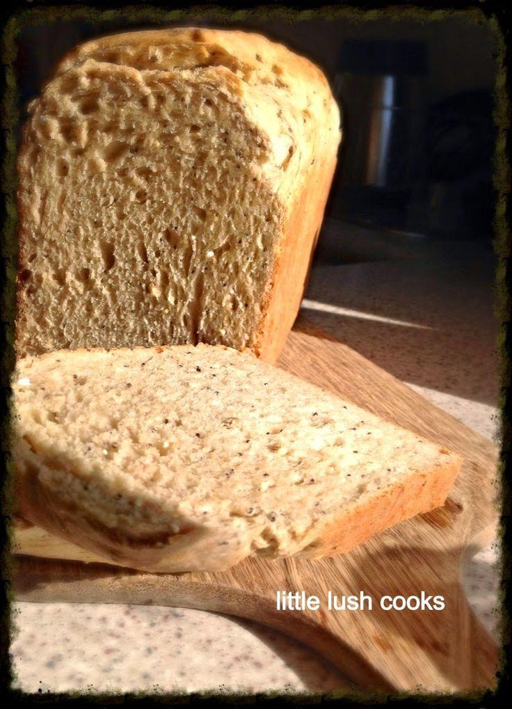 Little Lush Cooks: Everyday spelt loaf