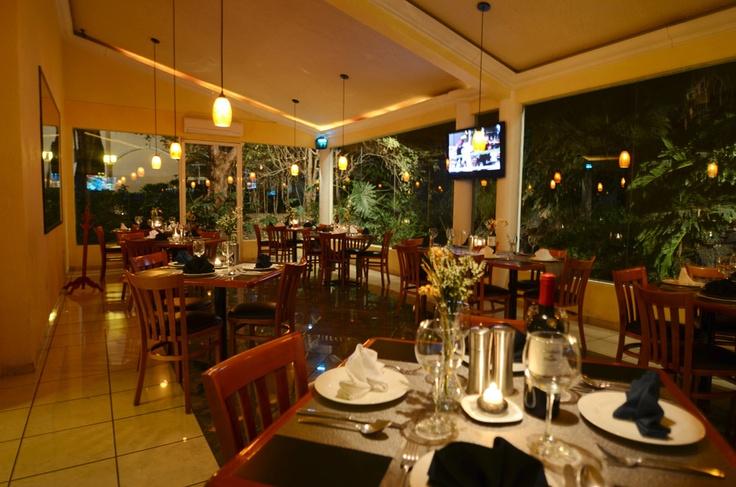 Disfruta las noticias de Tula Hidalgo con un desayuno al gusto, te invitamos a comer como conde y una cena tipo la realeza en Real del Bosque en Tula Hidalgo.